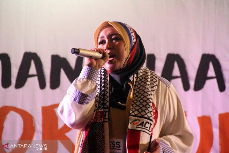 Konser kemanusiaan Melly Goeslaw di Balikpapan kumpulkan dana Rp300 juta