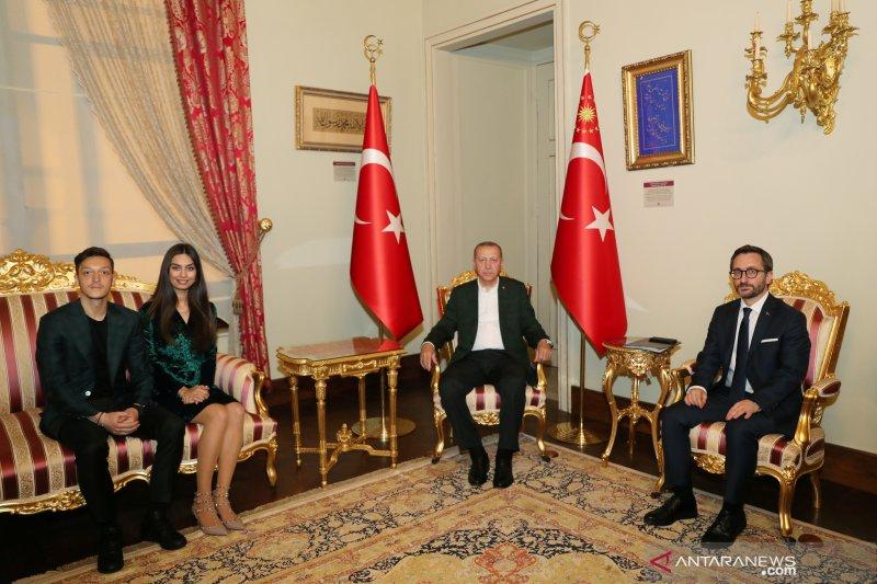 Pernikahan Ozil dihadiri Presiden Turki