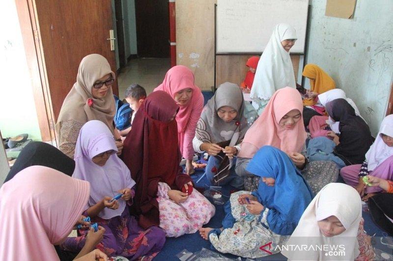 Komunitas Tembikar bekali keterampilan anak tunarungu