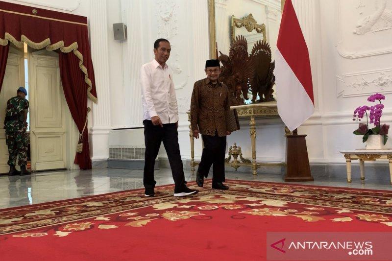Habibie bertemu Jokowi di Istana Merdeka