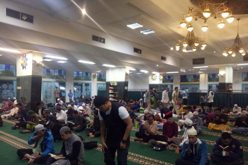 PT Pusri Palembang fasilitasi iktikaf ribuan muslim