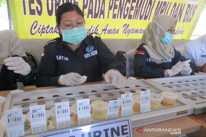 Seorang perwira polisi positif memakai narkoba