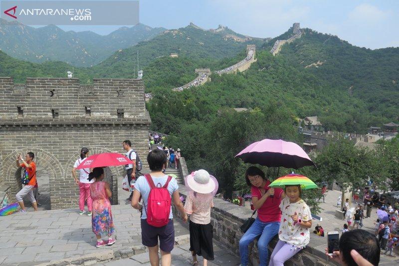 Wisatawan Tembok China dibatasi 65.000 orang per hari