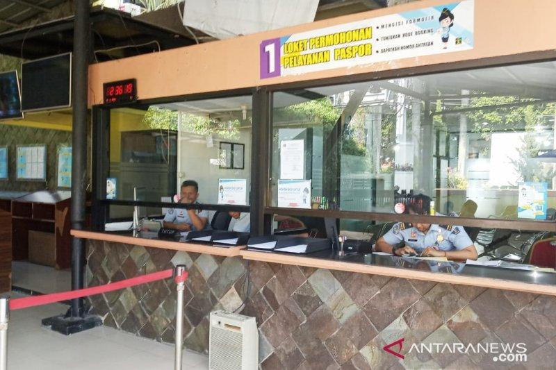 Daftar paspor tetap buka selama libur Lebaran