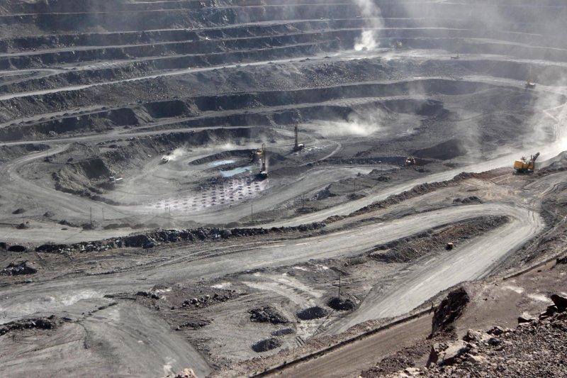 Karbon monoksida di pertambangan China meluap, 16 orang tewas