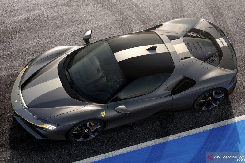Ferrari tampilkan mobil sport hibrida berkecepatan 340 km/jam