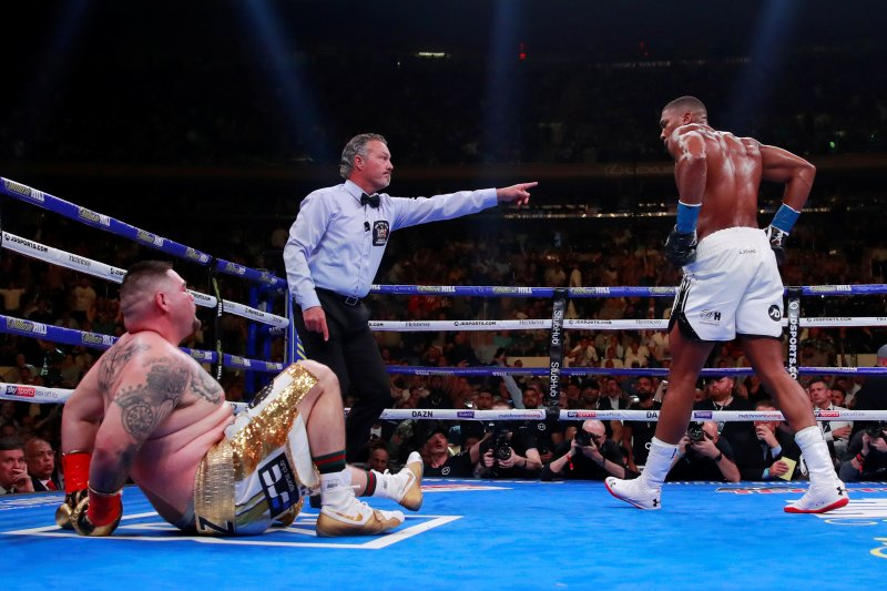 Joshua dan Tyson Fury sepakat naik ring tahun depan