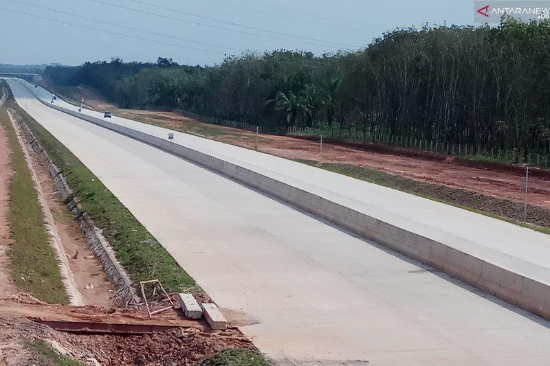 Kondisi arus mudik di Jalan  Tol Trans Sumatra  lengang