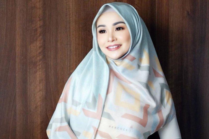 Bukan ketupat tapi nasi yang dicari Soraya Larasati