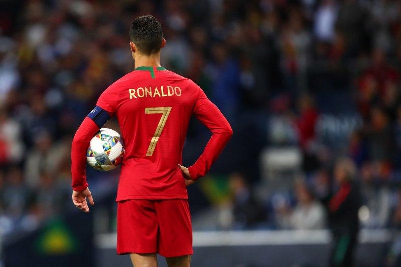 Bek Portugal Ruben Dias sebut beruntung miliki Ronaldo