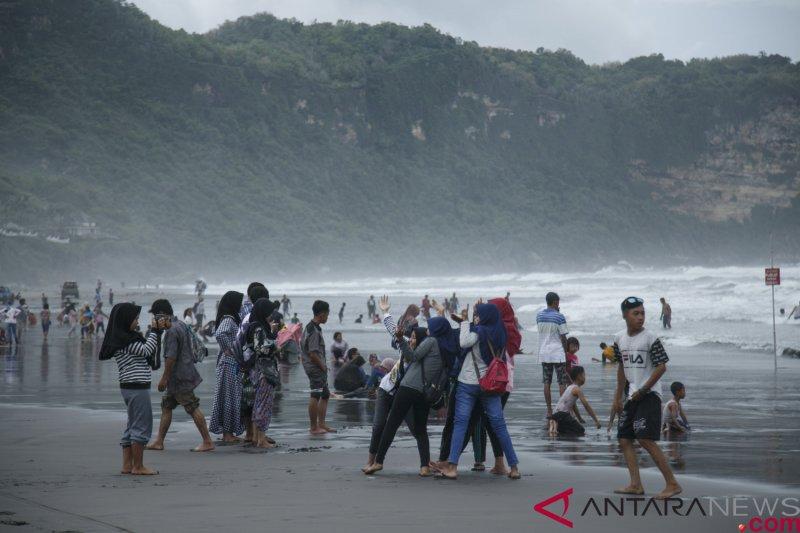 Bantul Berencana Bangun Jalur Wisata Area Pantai Selatan Antara News Yogyakarta Berita Terkini Yogyakarta