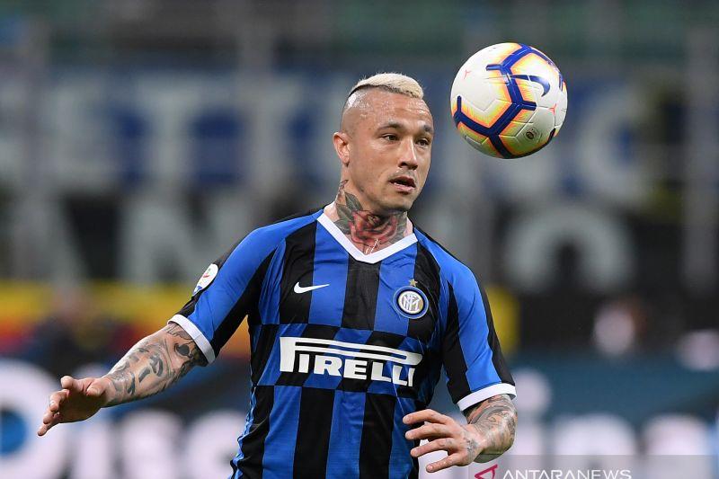 Radja Nainggolan pemain Inter Milan dilaporkan terinfeksi COVID-19
