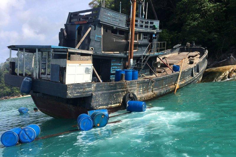Malaysia cegat perahu angkut 202 orang diduga Rohingya
