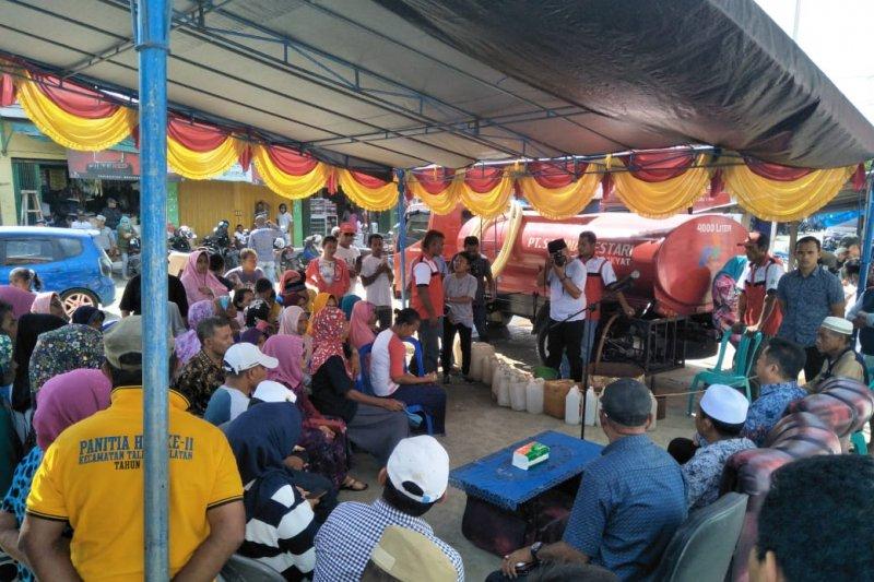 Operasi pasar agen minyak tanah oleh Pemerintah Kabupaten Kepulauan Sula