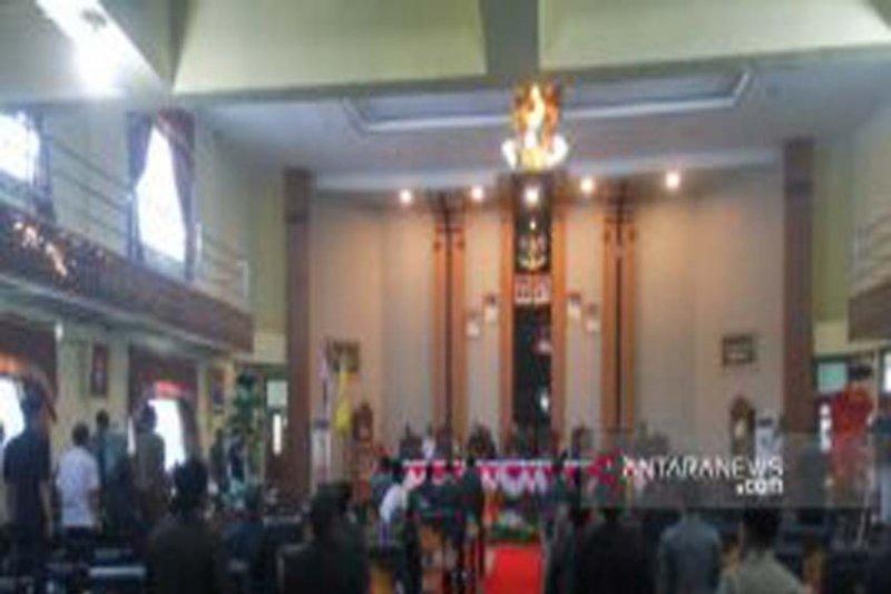 Rapat paripurna pengangkatan Bupati Lampung Timur ditunda