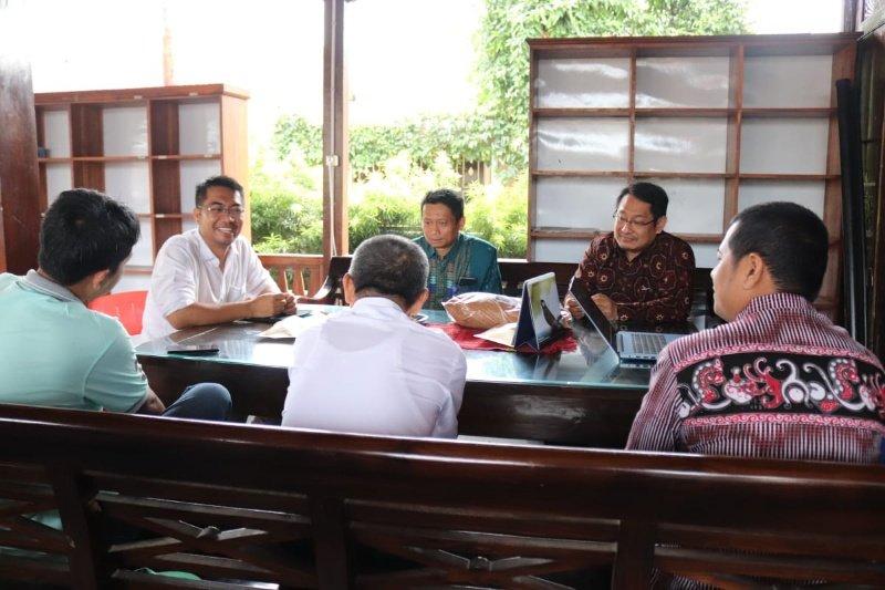 Rektor UMP-Direktur LPPSLH diskusikan program pemberdayaan masyarakat