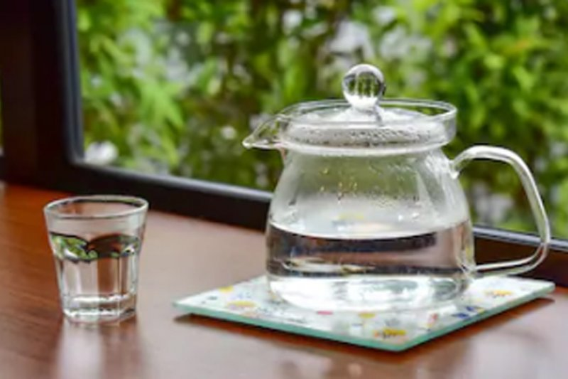 Manfaat Minum Air Hangat Turunkan Berat Badan Hingga Usir Racun