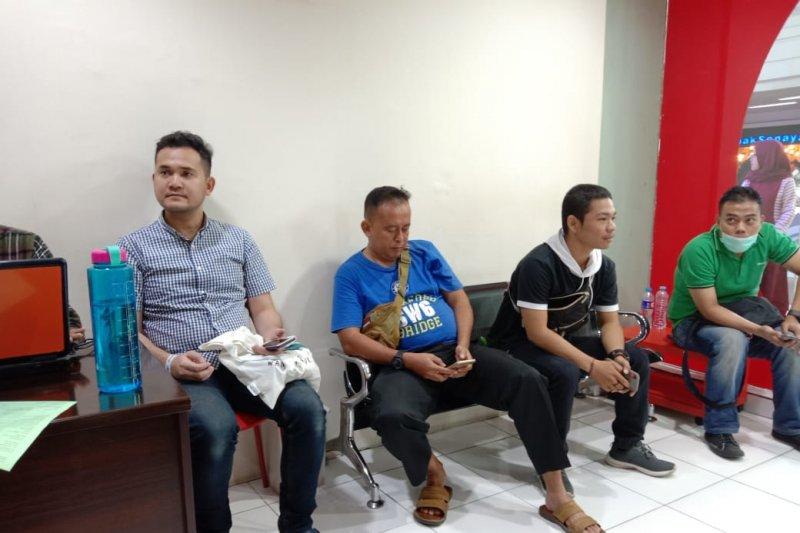Warga Makassar  antusias donor darah di Hari Donor Darah Sedunia
