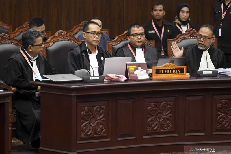 Argumentasi kualitatif kubu Prabowo-Sandi