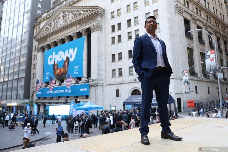 Saham di Wall Street merosot karena harapan penurunan suku bunga meredup