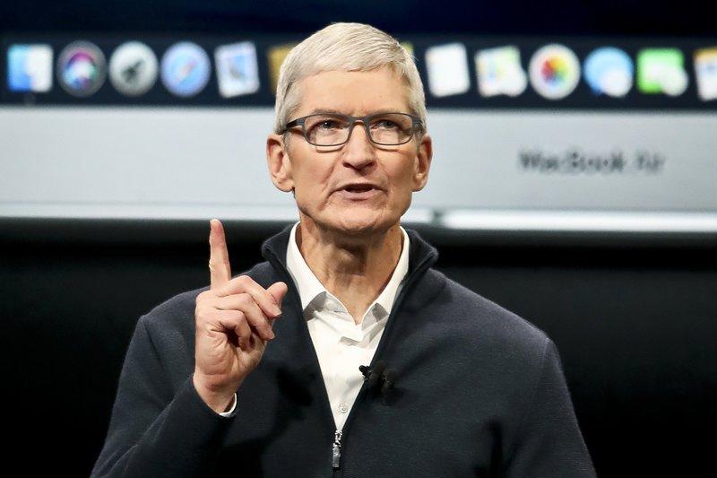 Trump bicara dengan CEO Apple saat ketegangan dengan  China meningkat
