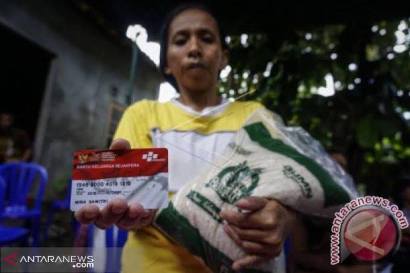 Data ganda, penerima Bantuan Pangan Non Tunai di Agam  turun