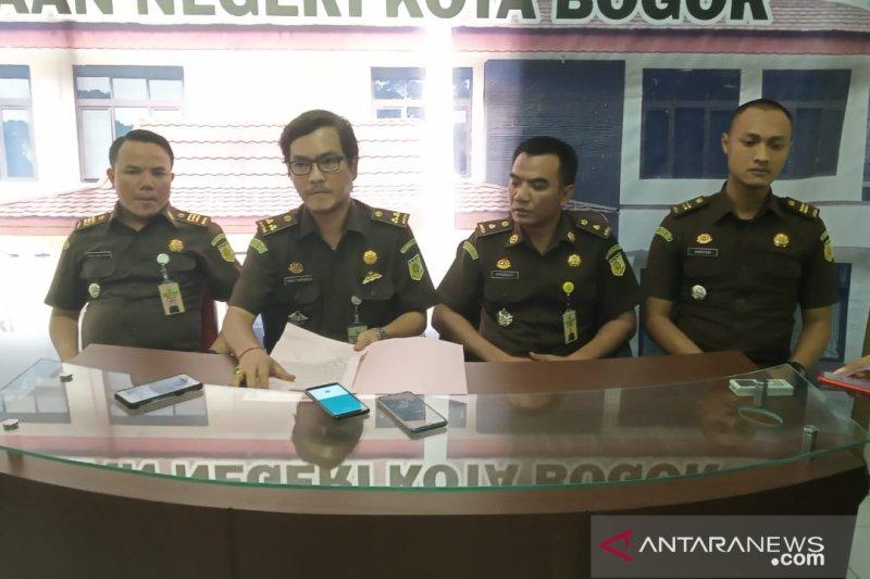 Sekretaris KPU Bogor ngaku sedang sibuk saat staf bendahara korupsi