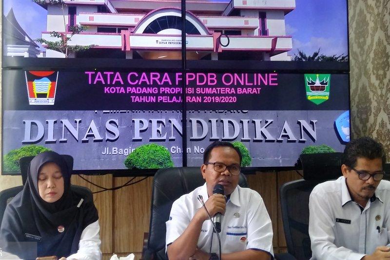 Padang terapkan pendaftaran daring penerimaan siswa SD