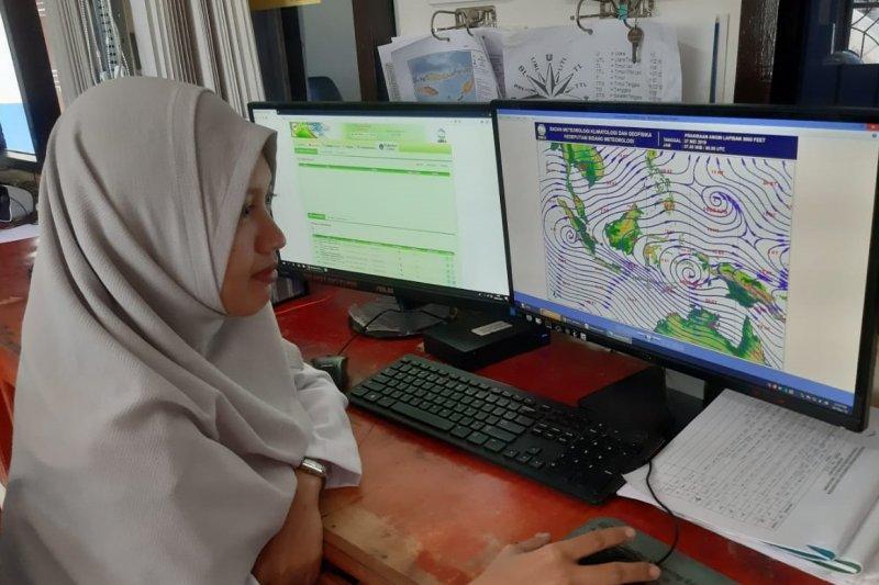 BMKG Kupang ingatkan nelayan waspadai gelombang tinggi