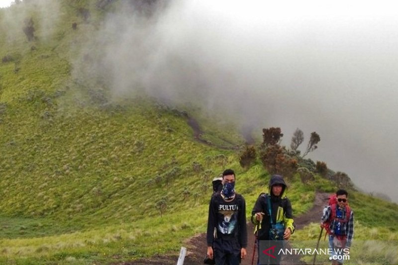 Lima jalur pendakian Merbabu mulai dibuka Jumat