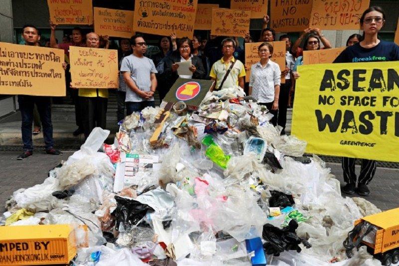 Greenpeace desak pemimpin negara ASEAN larang impor limbah dari negara-negara maju