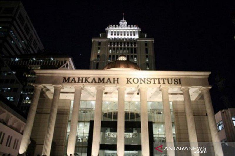 Jokowi-KH Ma'ruf Amin dipastikan tak hadiri sidang putusan MK