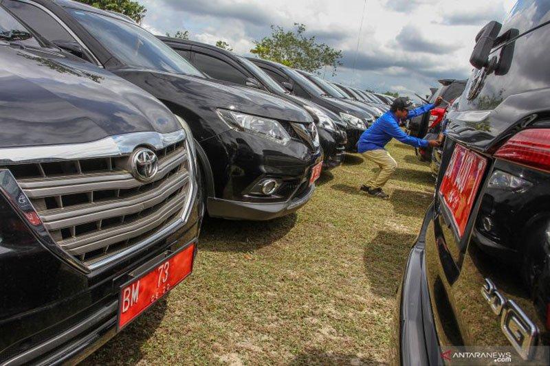 Lelang bekas mobil dinas Wali Kota dan Ketua DPRD
