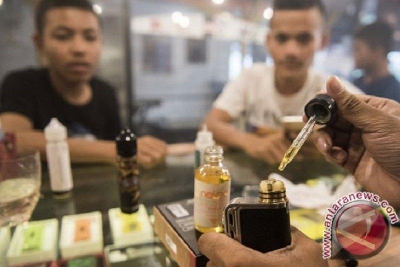 AS menyelidiki penyakit paru-paru terkait 'e-cigarette'