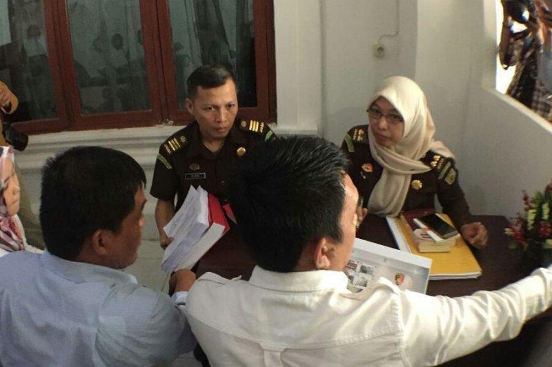 Polresta kembalikan berkas tersangka komisioner KPU Palembang ke Kejari