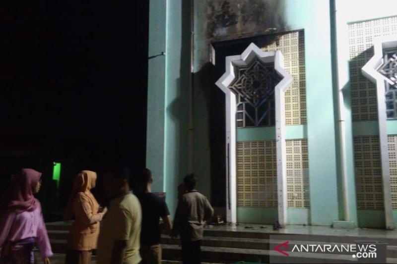 Kebakaran terjadi di Masjid Agung Nurul Iman Padang