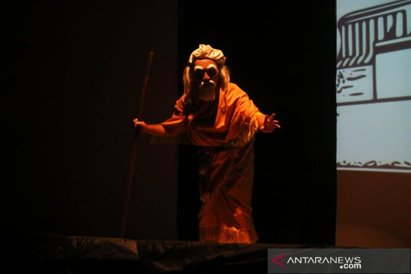 Seniman Indonesia-Singapura kolaborasi wayang inovatif