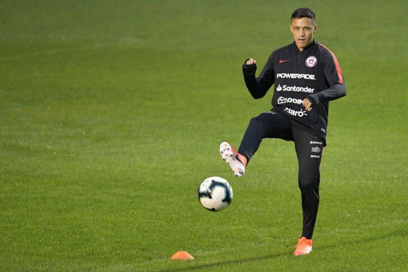 Cinta membuat Alexis Sanchez di Copa berbeda dengan di MU