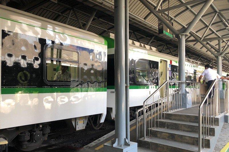 Perjalanan kereta YIA dibatasi delapan trip per hari