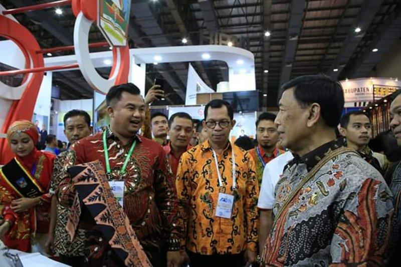 Ragam produk UKM Dharmasraya ini disuguhkan di ajang Otonomi Expo 2019