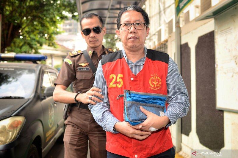 Mantan Plt Ketum PSSI dituntut 2,5 tahun penjara