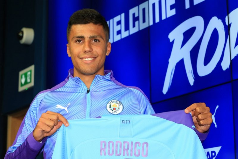 Manchester City orbitkan para pemain muda