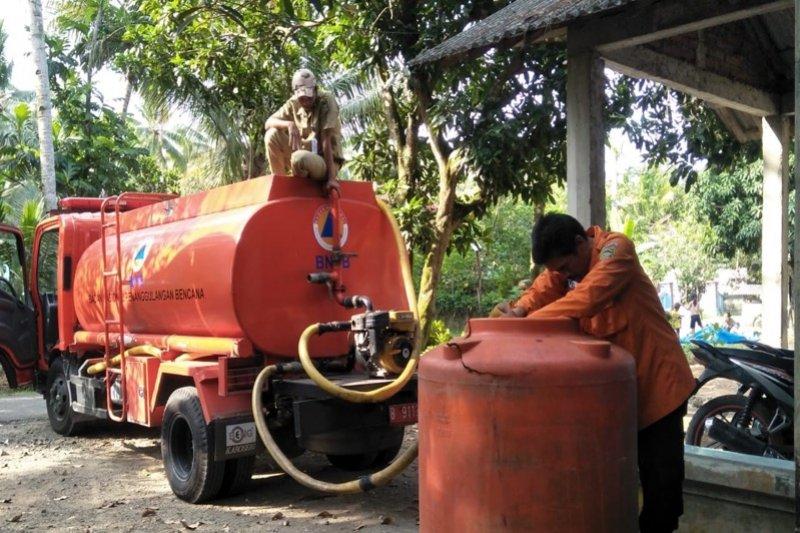 655.000 liter air telah distribusikan BPBD Banyumas