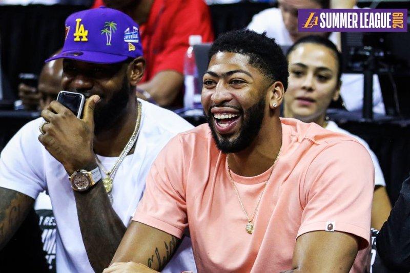 Lakers resmi mengumumkan kedatangan Anthony Davis