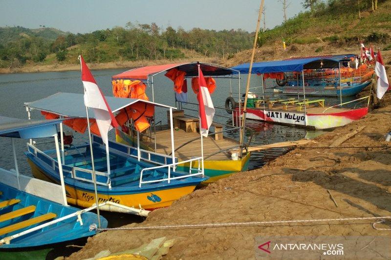 Kudus studi banding layanan uji kelaikan perahu ke Wonogiri