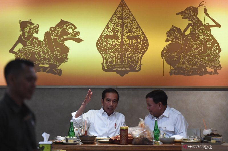 Spontanitas dan gaya kasual Prabowo Subianto dianggap sebuah ketulusan