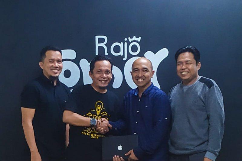 Wudi Hamdani pimpin Komunitas Wirausaha Tangan Di Atas Padang