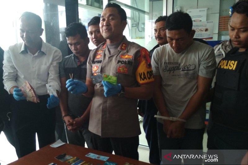 Polres Kudus tangkap dua pembobol ATM