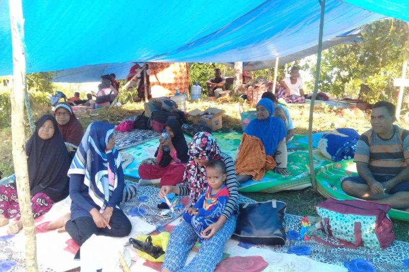 Khawatir tsunami, warga Halmahera Selatan takut kembali ke rumah