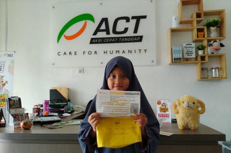 Gadis delapan tahun ini sumbangkan tabungan setahun untuk Palestina, siapakah dia